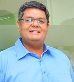 Dhruv Agarwala, Makaan.com, PropTiger, online marketplace, Real estate