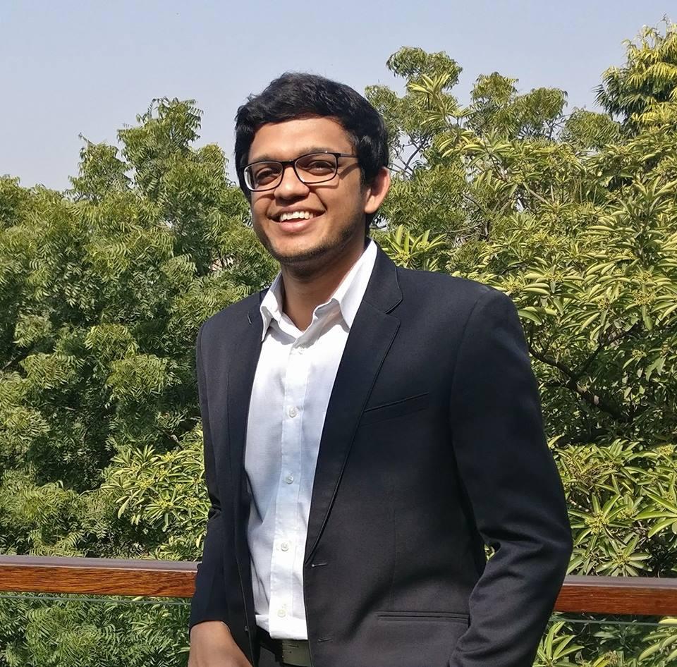 Akshay Singhal, Log 9 Materials