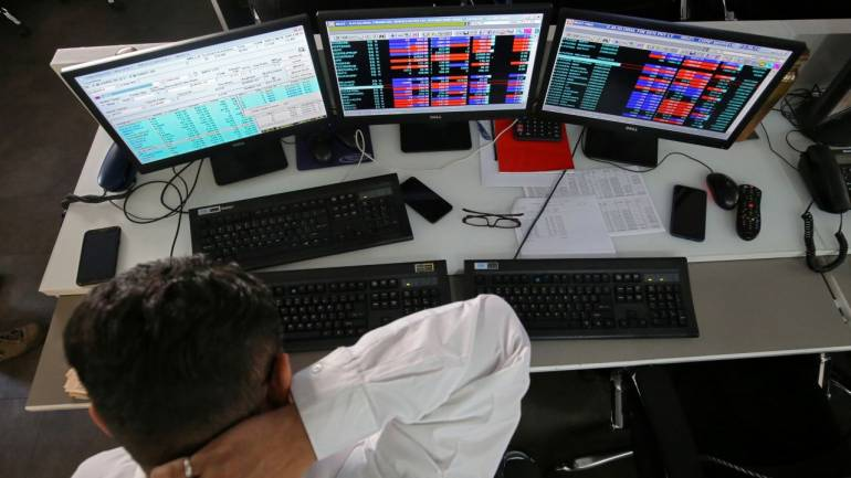 Indian Stock Markets Started Week on Fluctuating Mode