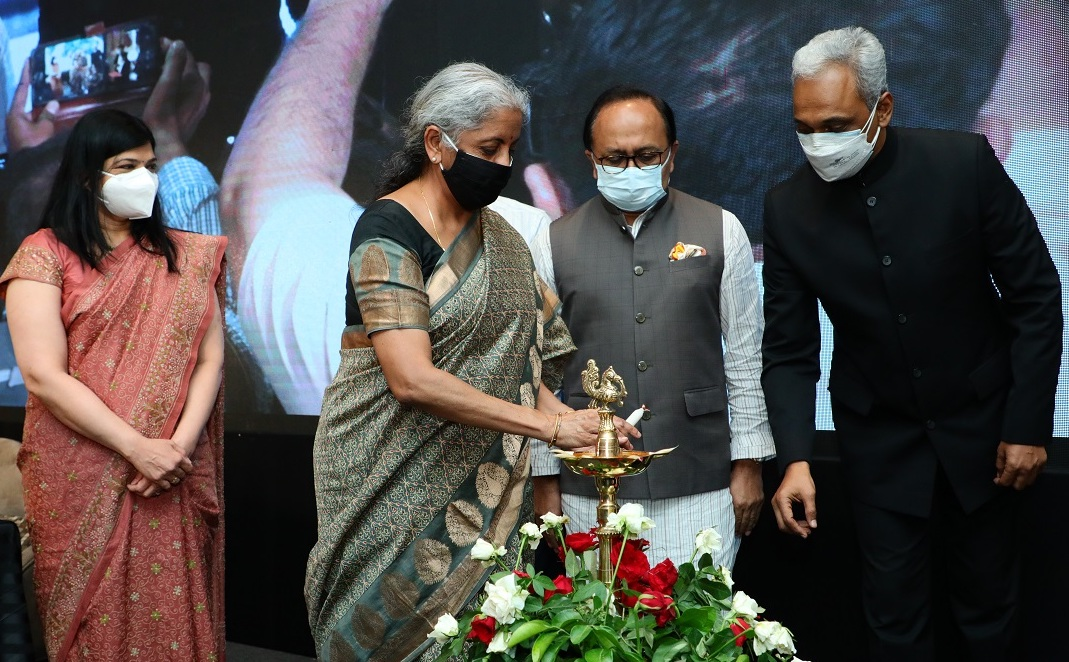 Nirmala Sitharaman, Sidharth Nath Singh, Exim Bank, SIDBI, Ubharte Sitare Fund